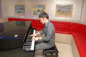 Al piano Daniel De Rossi